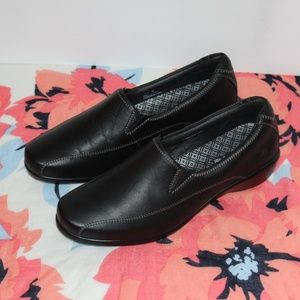 Aravon Leather Slip on Women loafers